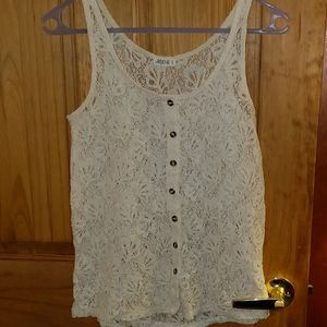 👕HP👕 Cream colored lace top
